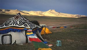 Everest & Shisapangma Base Camp Treks & Tours Tibet
